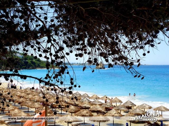 Παραλία Μακρύς Γυαλός